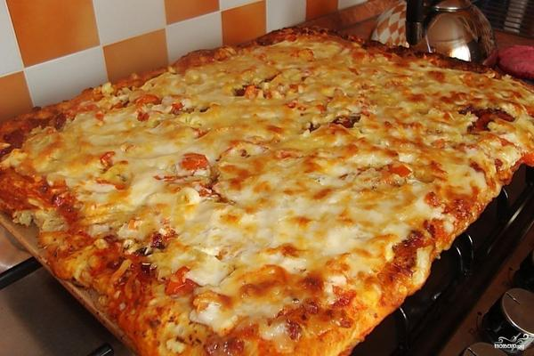 Пицца с колбасой просто и быстро